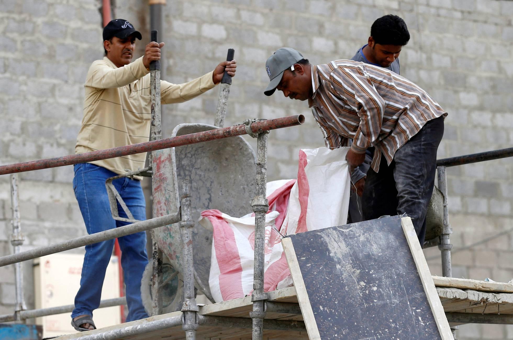 Capitalismo en Arabia Saudí: Millones de obreros inmigrantes... El mayor fondo soberano... 1473664333_127634_1473677123_noticia_normal_recorte1