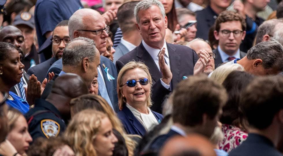 Hillary Clinton en Nueva York, el domingo, antes de sufrir una indisposición