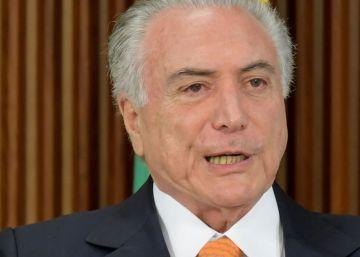 Temer privatiza cuatro aeropuertos de Brasil y múltiples servicios