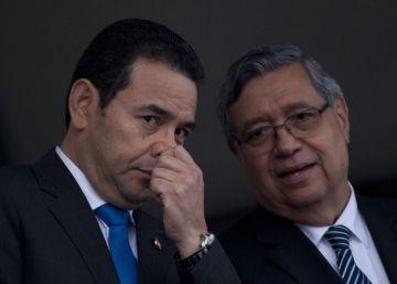 Dos familiares de Jimmy Morales, implicados en una estafa al Estado