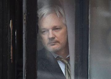 Suecia mantiene la orden de detención de Julian Assange