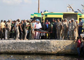 Al menos 52 fallecidos en un naufragio frente a la costa egipcia