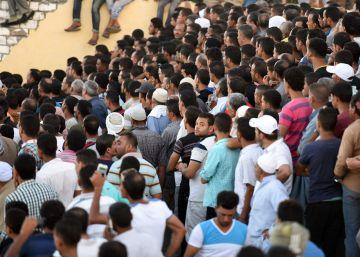 Egipto eleva a más de 130 la cifra de muertos en el naufragio frente a sus costas