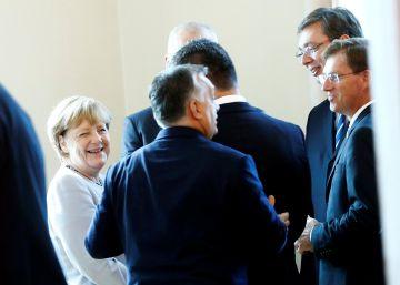 Los problemas internos debilitan el liderazgo de Merkel en Europa