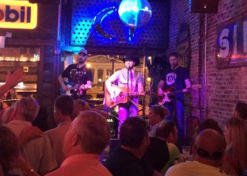 El cantante de country Jerry Don, la noche del viernes en Nashville