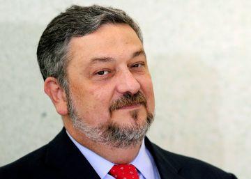 Detenido el exministro de Hacienda de Lula por el 'caso Petrobras'