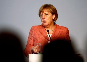 Merkel pide replicar en otros países el pacto migratorio con Turquía
