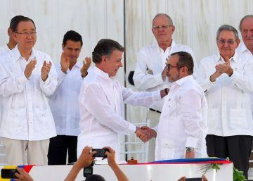 Colombia entierra medio siglo de guerra