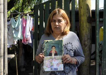 El suicidio de cuatro amigos estremece a un barrio pobre de Argentina
