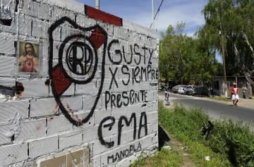 Homenaje a Gustavo en una esquina de su barrio.