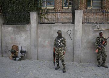 India afirma haber bombardeado objetivos en la Cachemira paquistaní