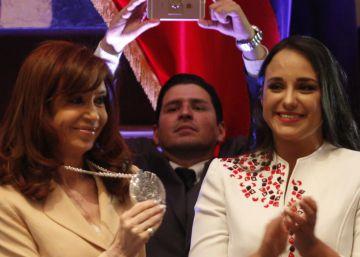 Ecuador condecora a Cristina Fernández de Kirchner