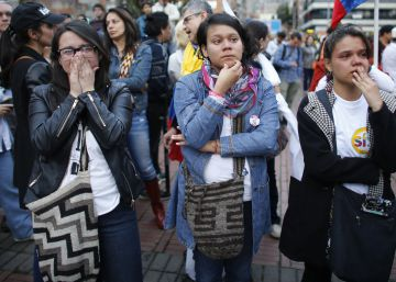 Shock as voters in Colombia reject FARC peace deal
