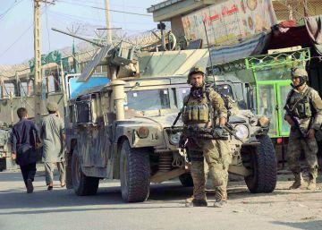 Tropas afganas combaten contra talibanes por el control de Kunduz