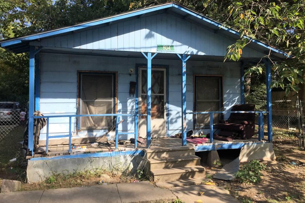 La casa de Wilson, negra de 25 años que vive con sus dos hijas en el lado sur del lago.