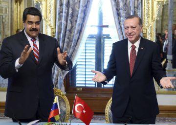 Maduro achaca a la oposición los retrasos en el revocatorio