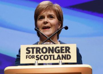 Sturgeon desafía a May con el proyecto de un nuevo referéndum de independencia