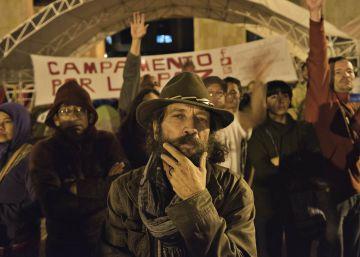 La ciudadanía se une en la calle por la paz ante la división política en Colombia