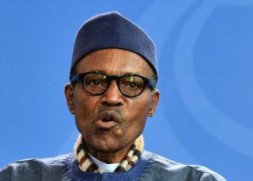 El presidente de Nigeria afirma ante Merkel que el lugar de su mujer es la cocina