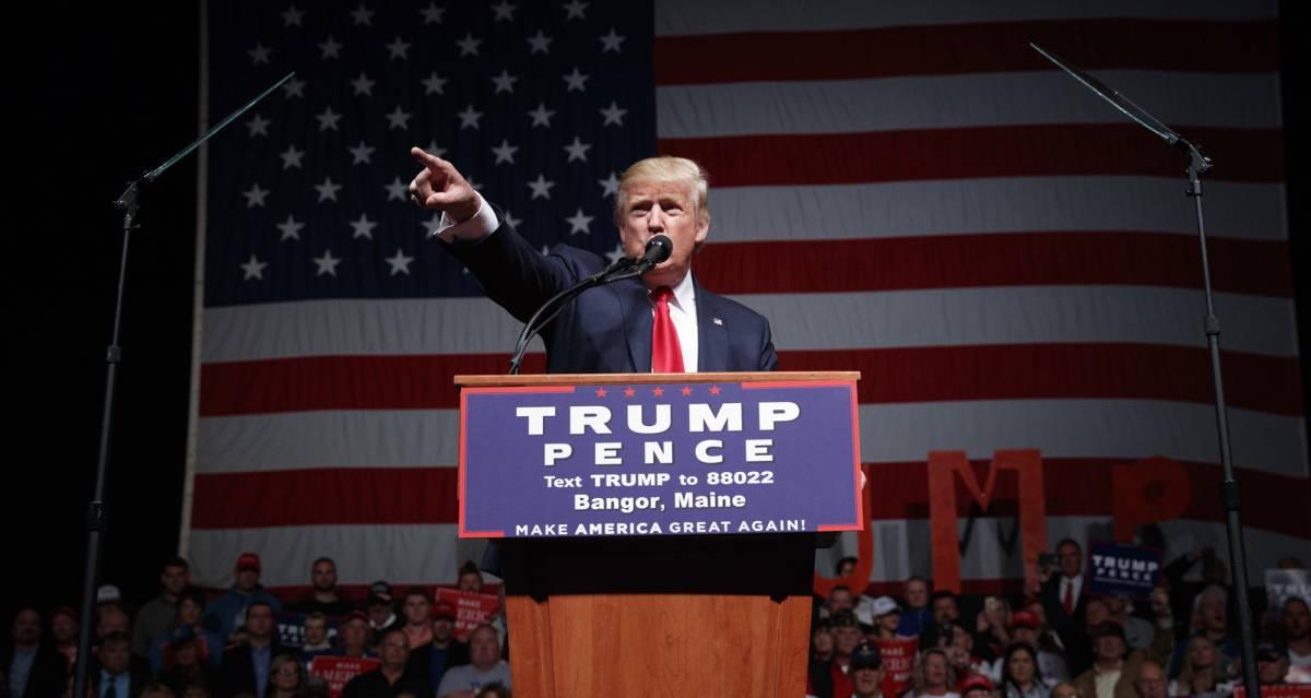 Donald Trump ofrece un discurso en Bangor, Maine.