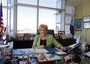 """La alcaldesa de Las Vegas: """"Esta campaña es indigna de las presidenciales"""""""