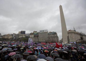 Argentina se moviliza contra los más de 200 asesinatos de mujeres anuales