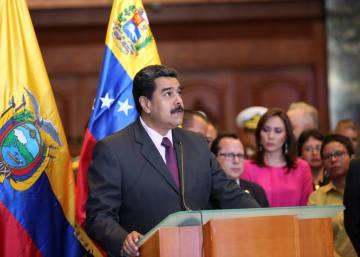 Venezuela libera a dos presos políticos