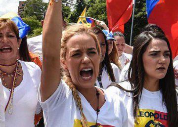 La oposición en Venezuela pasa a la ofensiva en las calles y la política