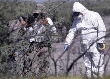Peritos buscan restos en el ejido de Patrocinio (Coahuila), en el norte de México.