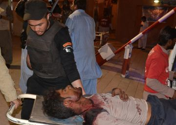 Al menos 60 muertos en un atentado contra una academia policial en Pakistán
