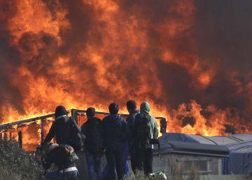 La 'Jungla' de Calais queda prácticamente vacía en tres días