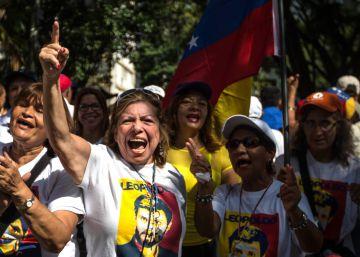 Más de un centenar de heridos en las protestas de Venezuela