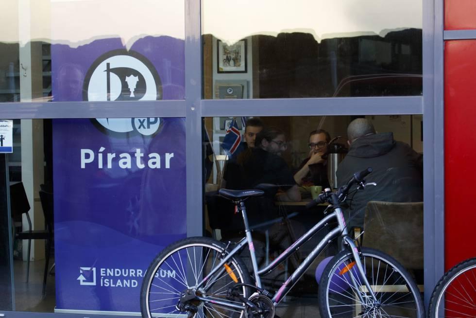 Quem são os Piratas que podem vencer as eleições na Islândia?