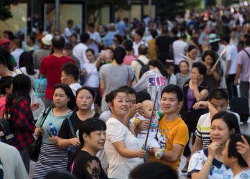 La llegada de segundos hijos en China no frena el envejecimiento