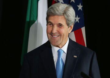 Kerry dice que el FBI no le informó sobre la investigación de los correos de Clinton