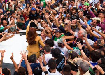 """Cristina Kirchner, imputada por corrupción: """"Quieren tapar la crisis"""""""