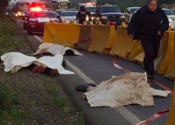 Aparecen cuatro cadáveres baleados en una carretera de entrada a la CDMX
