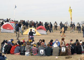 Solidaridad online con los sioux tras un repunte de las protestas contra un oleoducto en Estados Unidos