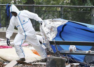 La policía desaloja a 3.800 migrantes de las calles de París