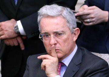 Uribe celebra el cambio y pide combatir el narcoterrorismo