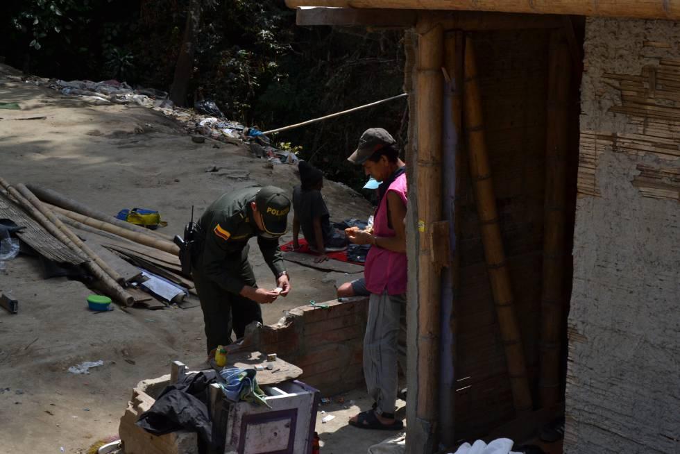 Autoridades aseguran que ha aumentado el microtráfico en Colombia.