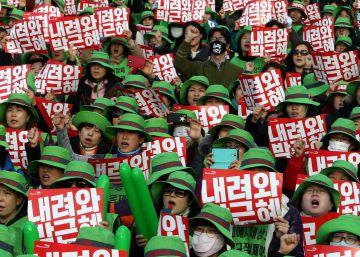 Masiva manifestación en Seúl para exigir la dimisión de la presidenta Park