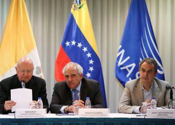El Gobierno de Venezuela y la oposición prolongan el diálogo