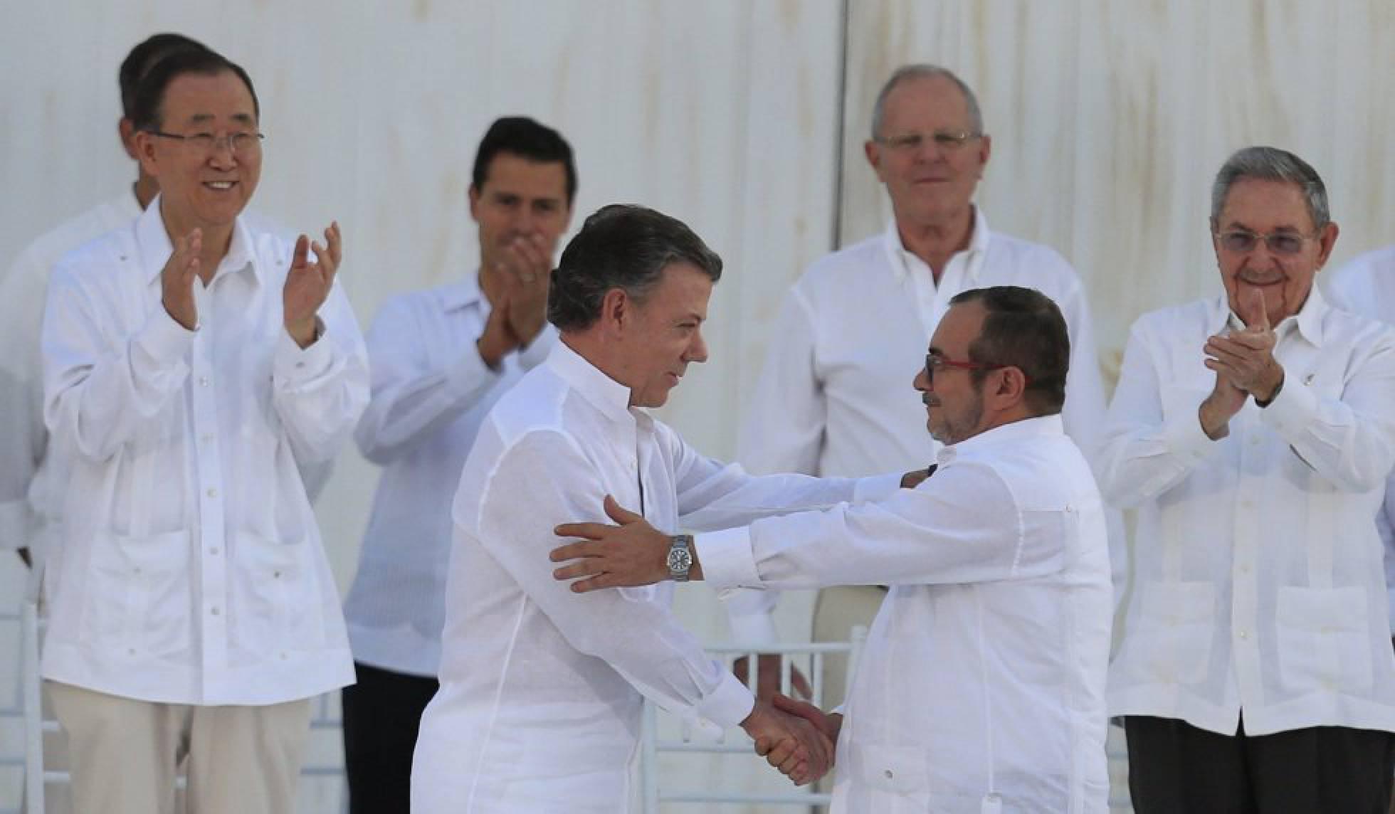 Governo da Colômbia e as FARC acertam um novo acordo de paz