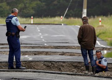 Nueva Zelanda sufre otro terremoto de 6,3 mientras evalúa los grandes daños