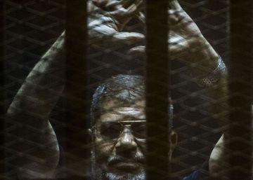 Anulada la condena a muerte del expresidente egipcio Mohamed Morsi