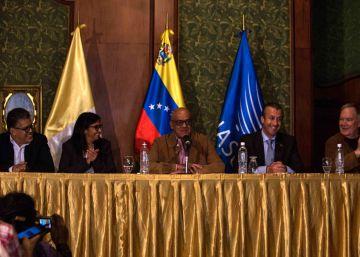 Críticas de las bases a la oposición venezolana por su diálogo con el Gobierno