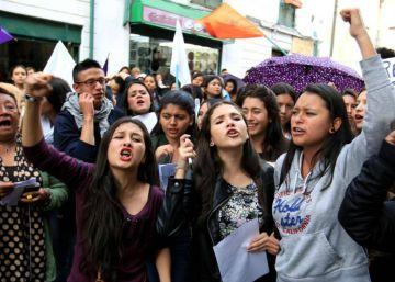 Conmoción en Colombia: una mujer empalada y violada