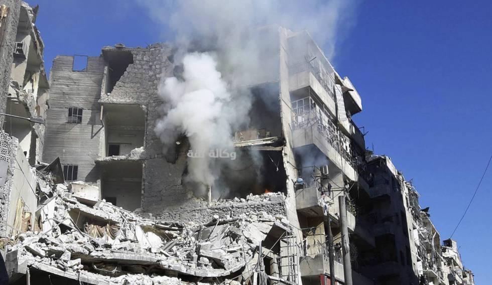 Edificio destruido por un bombardeo en el este de Alepo el viernes 18 de noviembre.