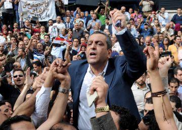 Condenado a la cárcel el presidente del Sindicato de Periodistas en Egipto